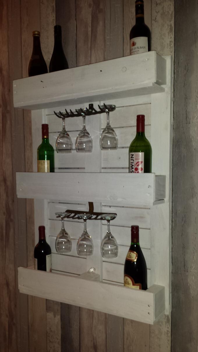 Wonderbaar leuk wijnrek van een pallet.wijnglazen hangen dmv een hark...hoe GK-73