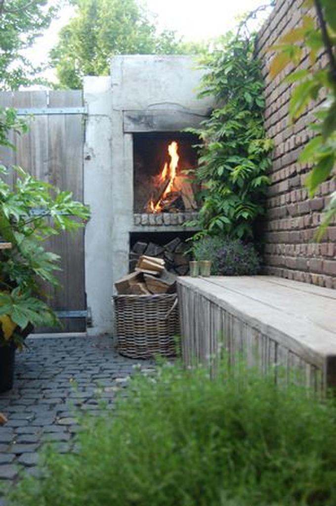 Verbazingwekkend leuke open haard in de tuin. Foto geplaatst door Nannies op Welke.nl PC-66