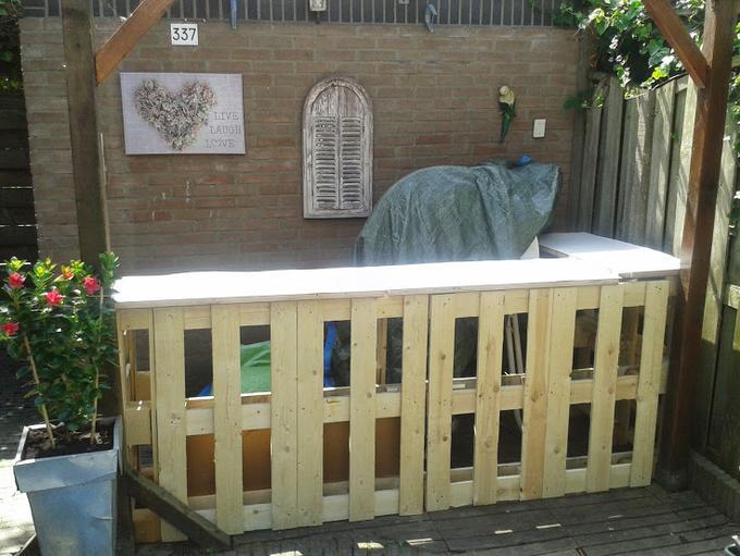 Goede Bar gemaakt van pallets! Klaar voor een tuinfeest! Nodig: 4 ND-76