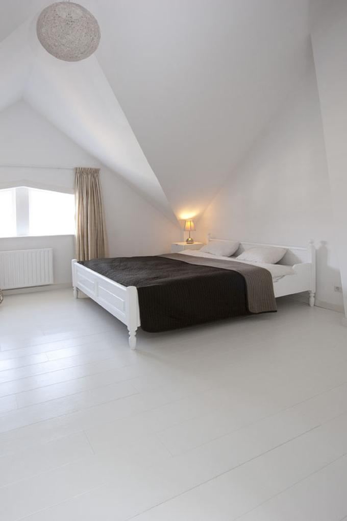 Wonderbaarlijk Gaaf zo'n witte houten vloer voor in je slaapkamer! Van Beukers BM-19