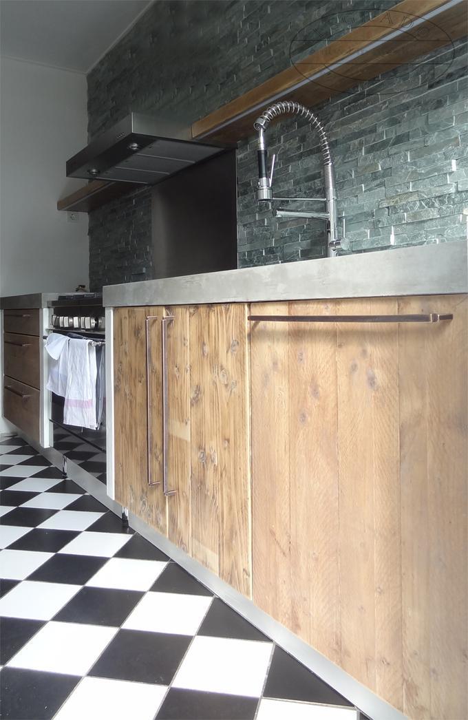 Steigerhouten Keuken Met Een Betonnen Blad Foto Geplaatst Door Esgrado Op Welke Nl