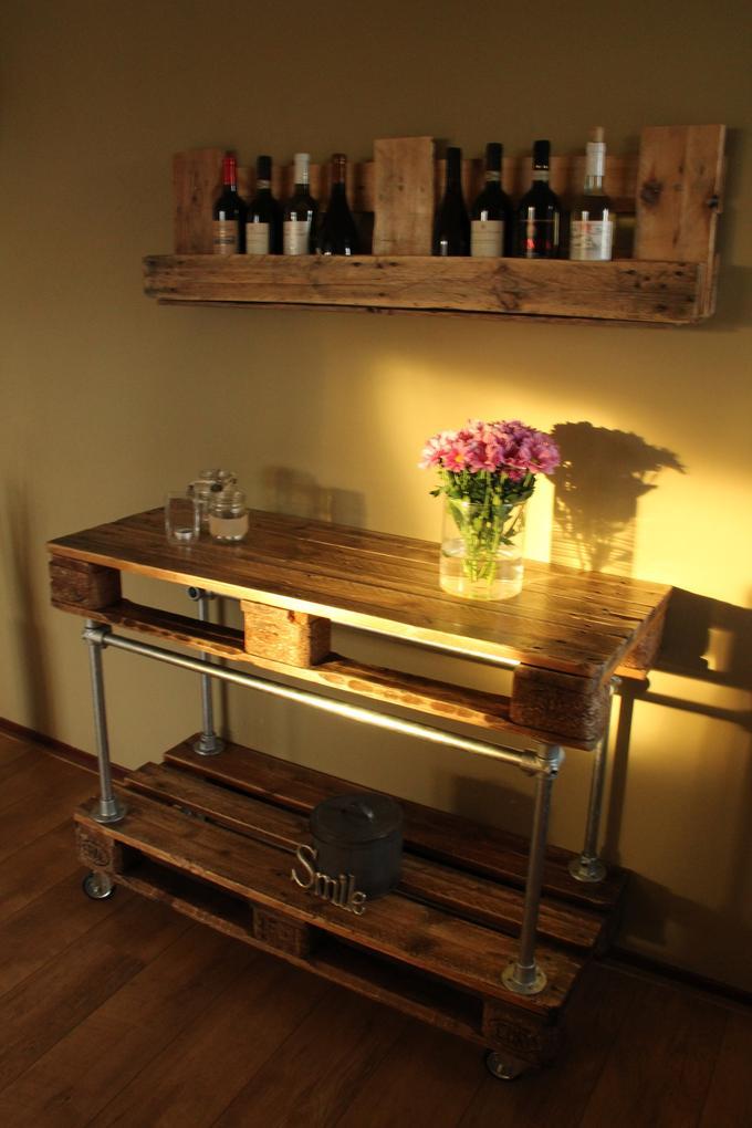 Welp wijnrek en side table van pallet / pallets. Foto geplaatst door HY-26