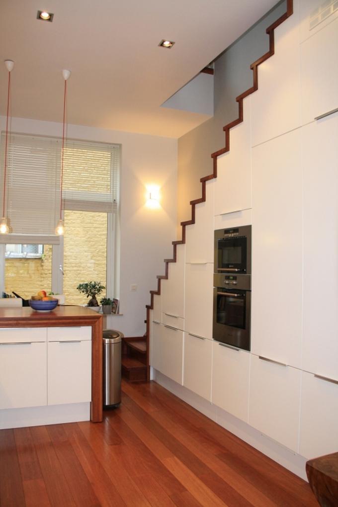 Nieuw Een vaste trap in een kleine ruimte, maak zo goed mogelijk gebruik FX-41
