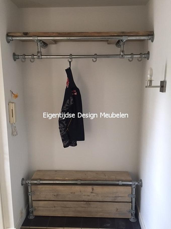 Uitgelezene Kapstok en kachelombouw van oude steigerplanken en steigerbuizen EF-09