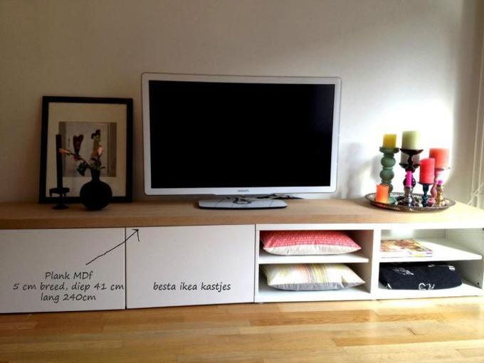 Goedkoop Tv Meubel Ikea.Leuk Tv Dressoir Van Ikea Besta Kastjes En Een Mdf Plank Erop