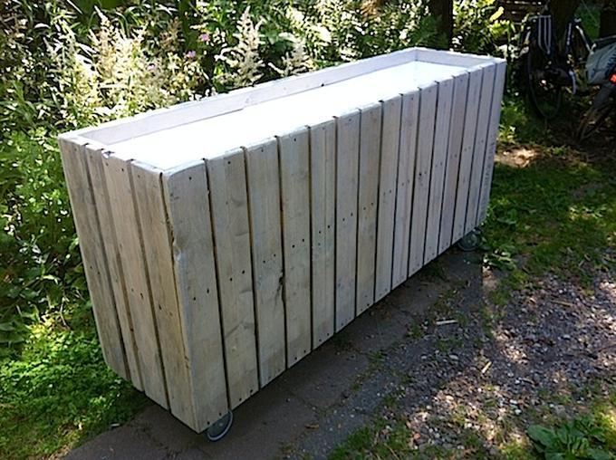 Fonkelnieuw Brede plantenbak van pallethout op wieltjes, afmeting 160x80x40 cm HS-39