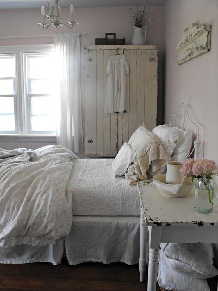 Leuke brocante slaapkamer.. Foto geplaatst door Moon4 op Welke.nl