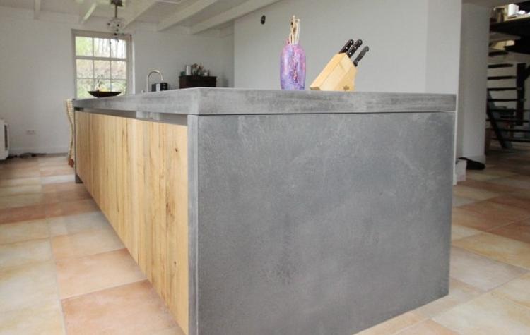 Houten Keuken Beton : Eiken houten keuken met betonnen keukenblad. . foto geplaatst door
