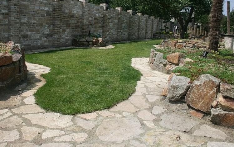Rotsblokken Voor Tuin : Haal het buitenland naar uw eigen tuin met flagstone terrastegels