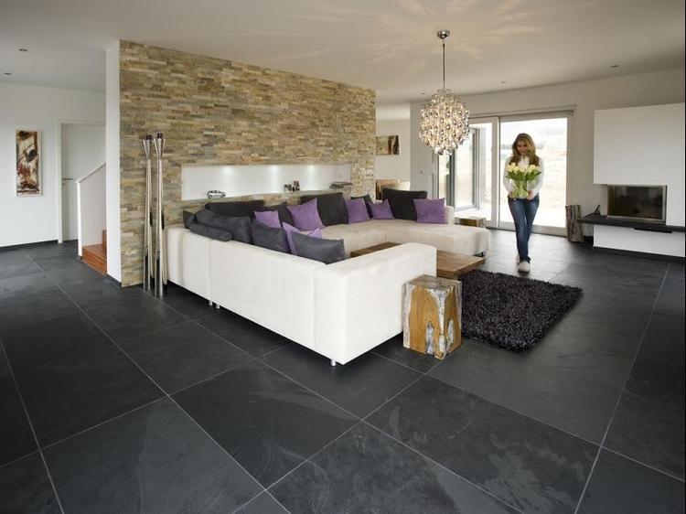 Super mooie woonkamer met mustang black leisteen vloertegels 50 x ...