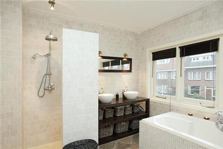 New mooie badkamer voor een jaren 30 huis. Foto geplaatst door @RX67