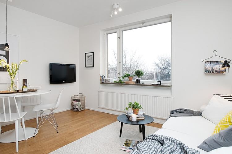 Woonkamer Lichte Kleuren : Een kleine woonkamer praktisch ingedeeld. er is gebruik gemaakt van