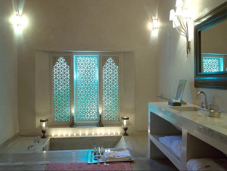 Marokkaanse badkamer. Mooi!!!!. Foto geplaatst door alleswit op Welke.nl