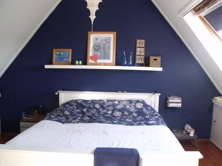 Mooie kleur voor de slaapkamer op zolder.. . Foto geplaatst door ...