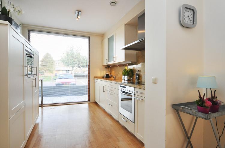 Keuken Grote Open : De half open luxueuze siematic creme kleurige keuken met granieten
