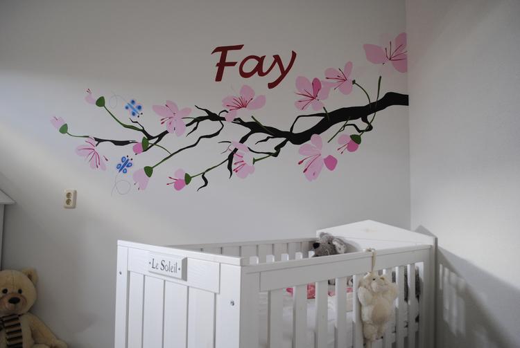 Mooie muurschildering voor de baby kamer foto geplaatst door