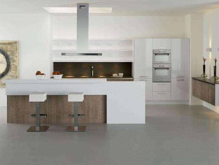 Nieuwe keuken met kookeiland . foto geplaatst door ...