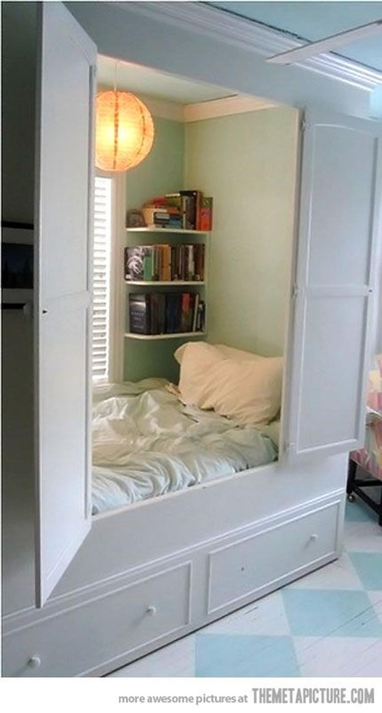 Leuk Om Een Bed In Een Kastruimte Te Maken Foto Geplaatst