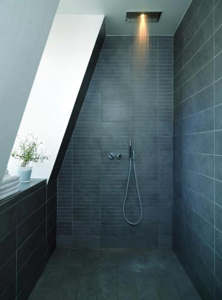 Toffe douche onder schuin dak. Foto geplaatst door Manon-Clement op ...
