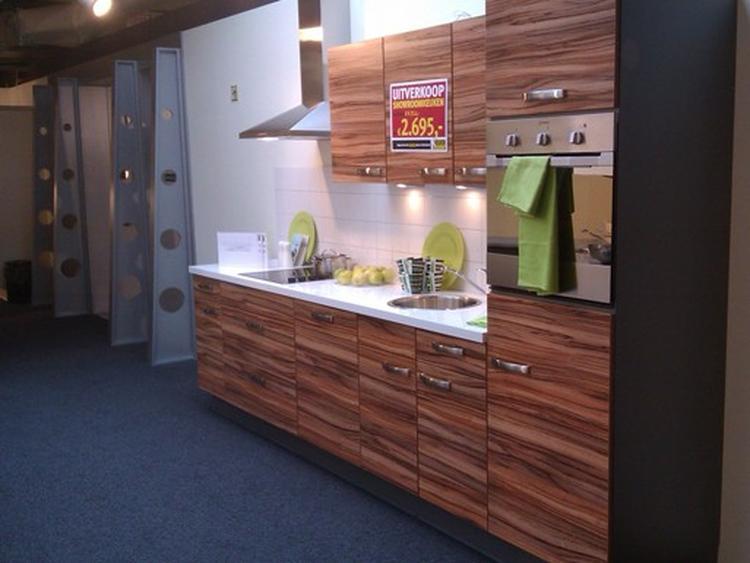 Moderne Keuken Keukenconcurrent : Keukenconcurrent mooie houtnerf maar dan verticaal ipv