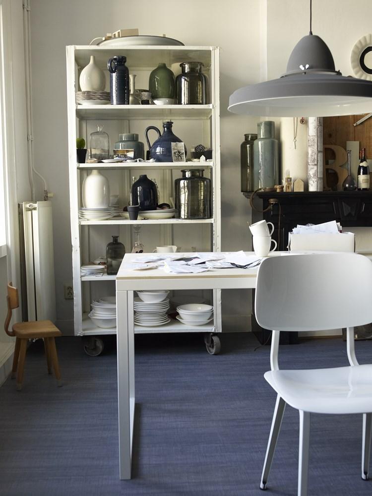 83550567f9c Prachtige combinatie: wit, hout, grijs en donkerblauw. Foto ...