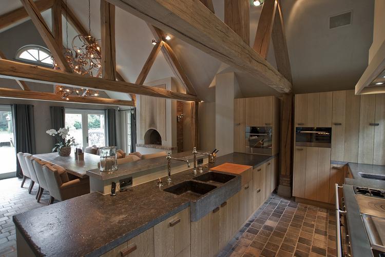 Welke Nl Keuken : Mooie houten keuken met balkenconstructie. foto geplaatst door buba