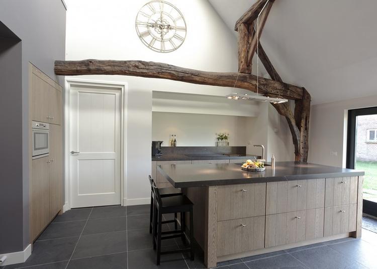 Een strakke en toch landelijke keuken!. foto geplaatst door ...