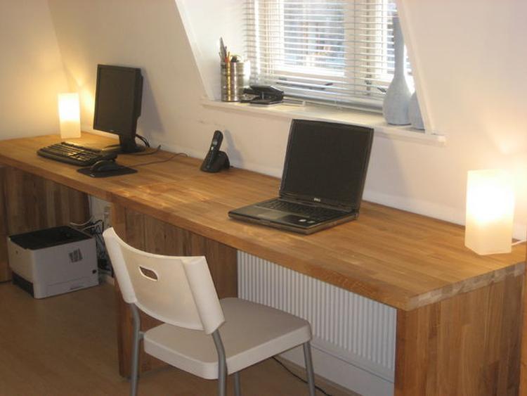 Slim bureaus gemaakt van ikea keukenbladen misschien zijn er ook