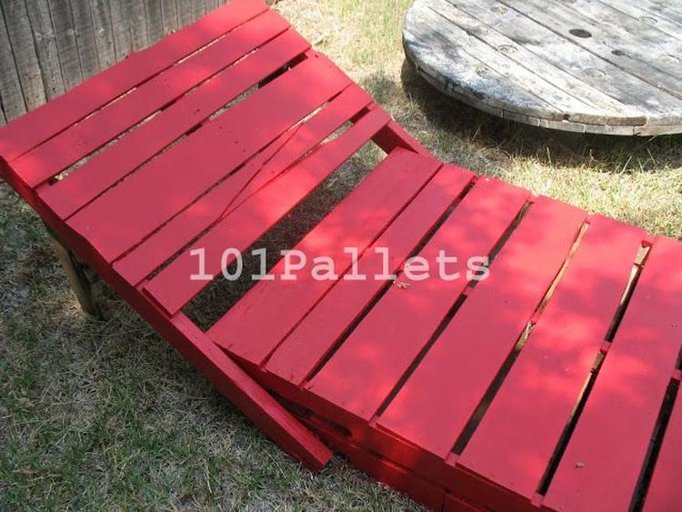 Ligbed van pallets with ligstoel intratuin for Intratuin tuinstoelen