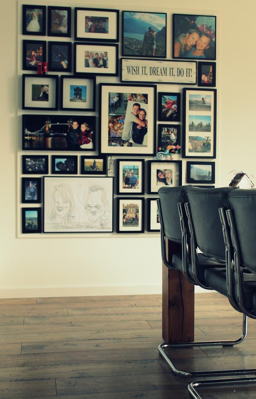 Fabulous Mijn fotowand! Een MDF plaat van 12mm dik op de muur geschroefd @SK14