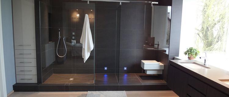 mooie badkamer scheiding douche en toilet.. Foto geplaatst door DAB ...