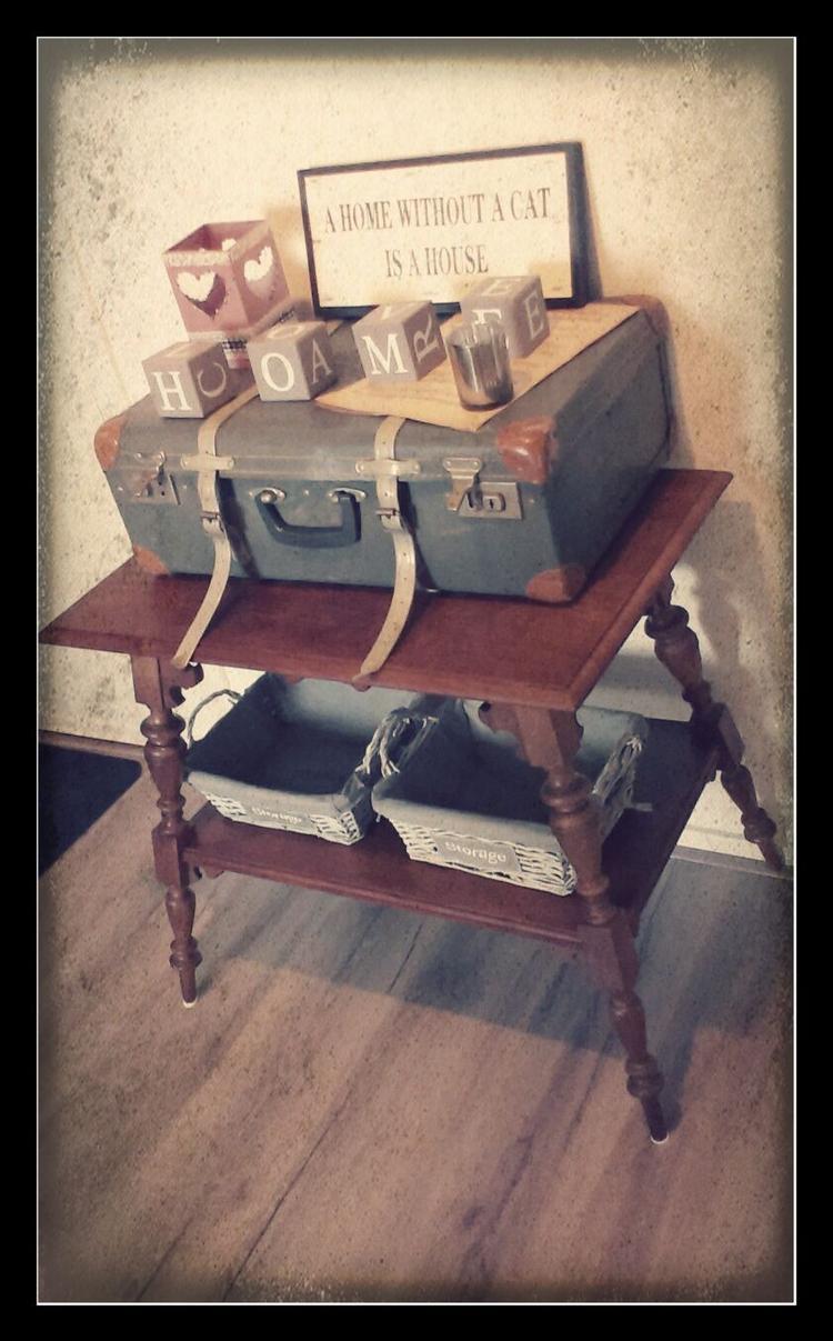 Zojuist toegevoegd in mijn interieur! Een oud tafeltje met ...