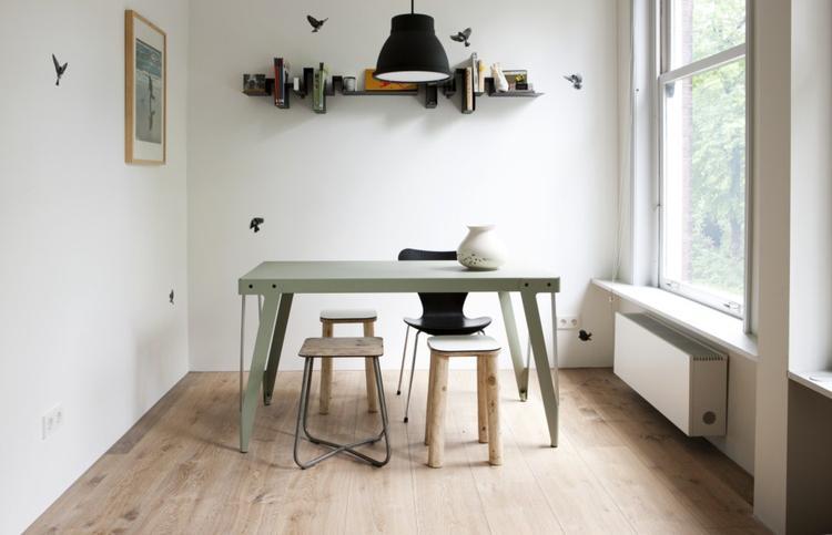 Verouderd eiken houten vloer gerookt wit foto geplaatst door