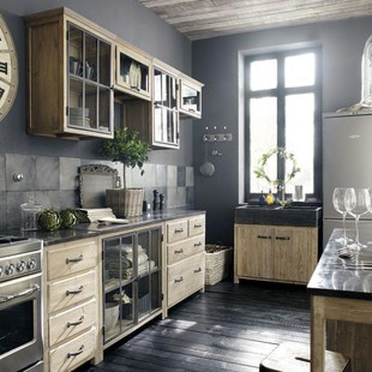 Recycled houten (grijs verkleurd) keuken, metaal met verouderde ...