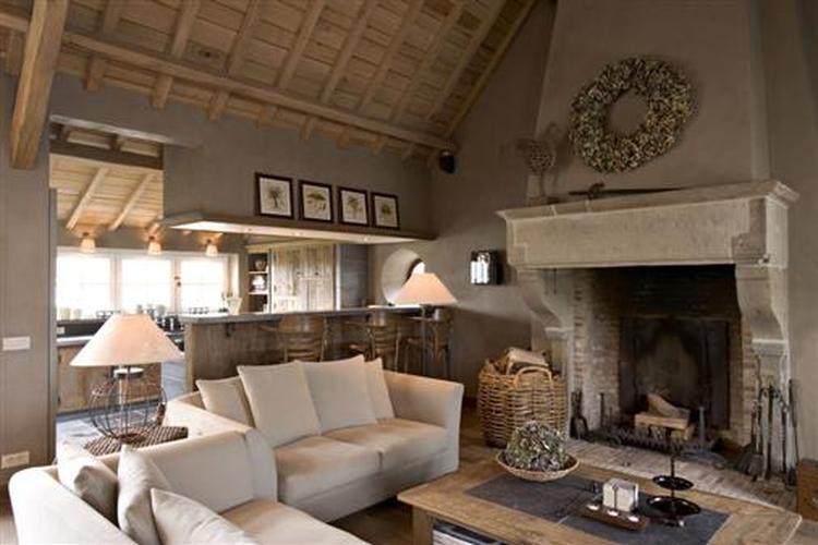 mooie woonkamer met doorkijk naar keuken. Foto geplaatst door ...