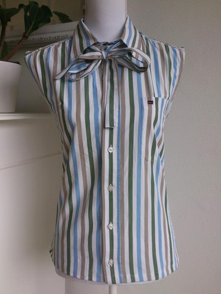 Blouse Overhemd.Van Een Oud Overhemd Een Nieuwe Dames Blouse Maken Foto Geplaatst