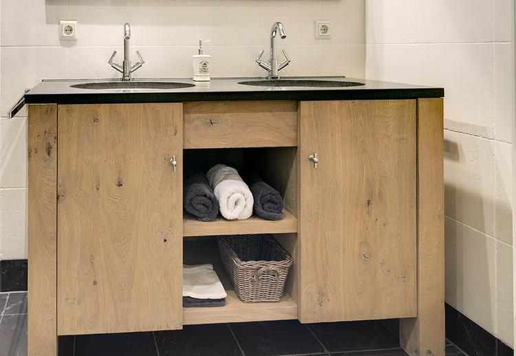 Steigerhout badkamermeubel met dun blad foto geplaatst door