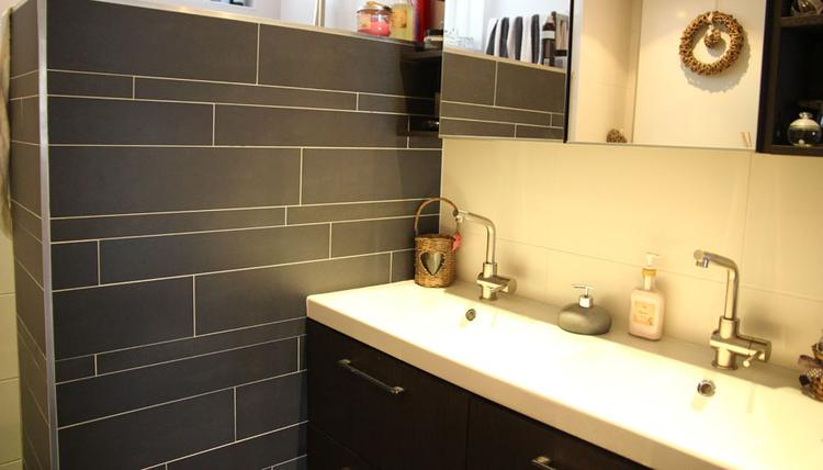 Wildverband Tegels Badkamer : Mooie strakke badkamer in wildverband betegeld.. foto geplaatst door