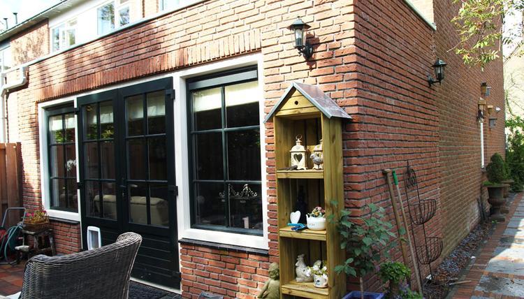 Openslaande Deuren Kunststof : Mooie uitbouw opgebouwd uit hoogwaardige materialen met openslaande