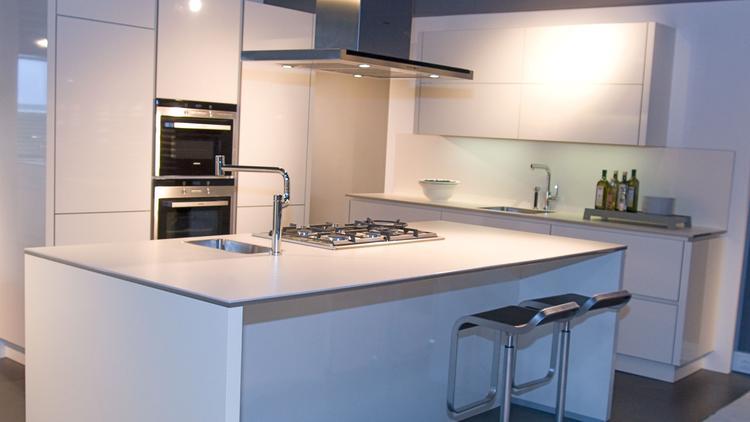 Moderne Keuken Kleuren : Alno star shine keuken in magnolia. de star shine van alno is een