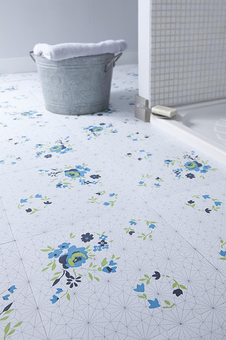 zelfklevende vinyl vloertegels in print blue rose kan ook in de