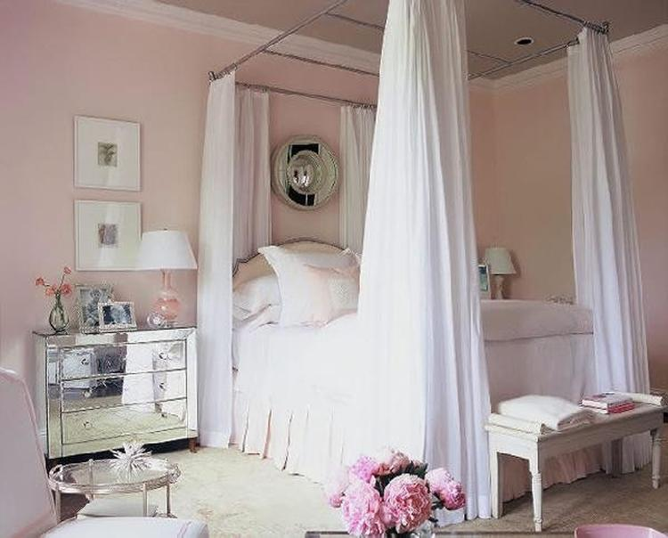 Romantische slaapkamer in pastel kleuren. Foto geplaatst door ...