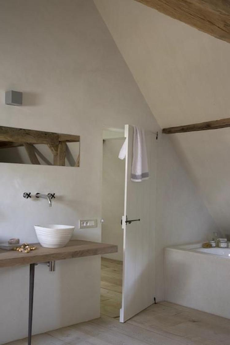 mooie badkamer in natuurlijke materialen uitgevoerd stucamor
