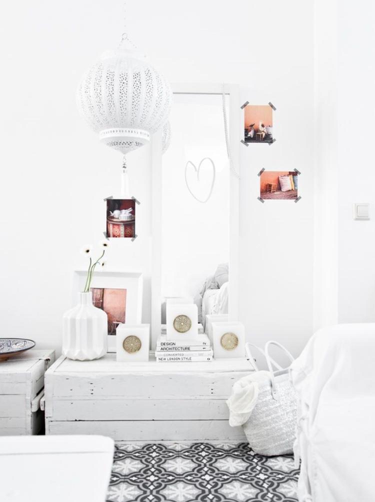 Modern Marokkaanse witte slaapkamer. Foto geplaatst door Ambitious ...
