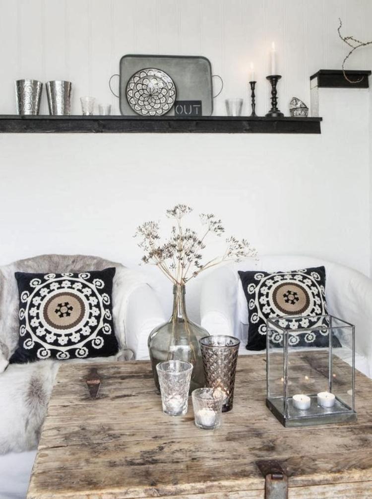Moderne woonkamer met Marokkaanse accessoires. Foto geplaatst door ...