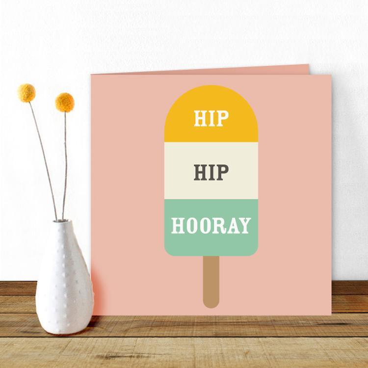 een mooie verjaardagskaart met een mooie roze achtergrond en een