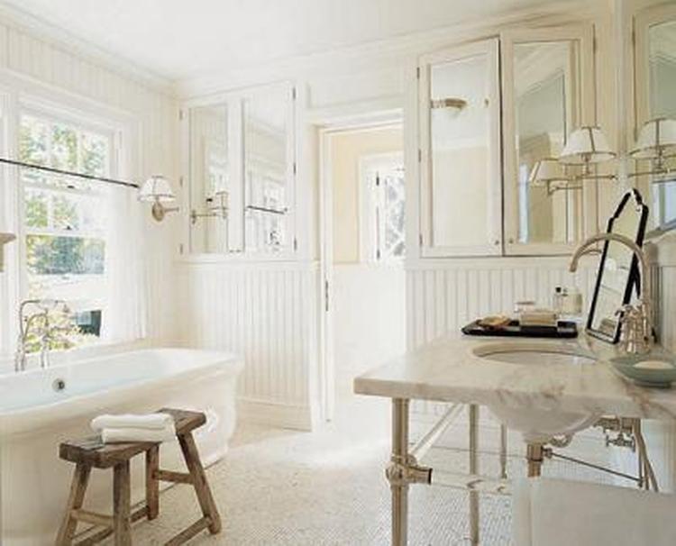 Leuk houten bankje voor in de badkamer. Foto geplaatst door ...