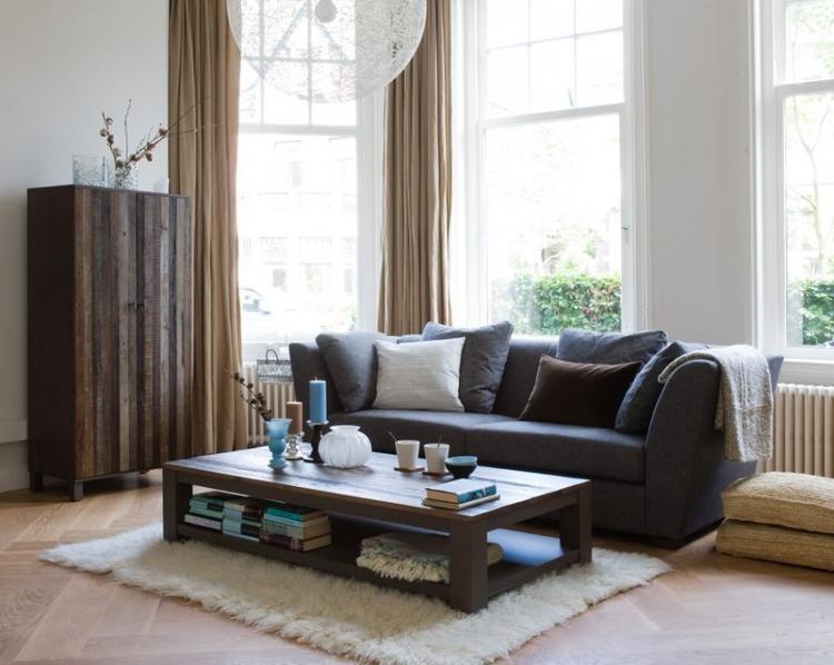 bruine meubels in woonkamer. foto geplaatst door laurasnebel op, Deco ideeën