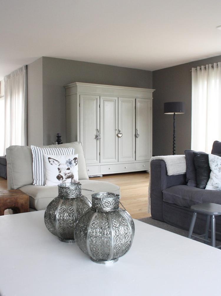 Country chic woonkamer met Marokkaanse lampen. Foto geplaatst door ...