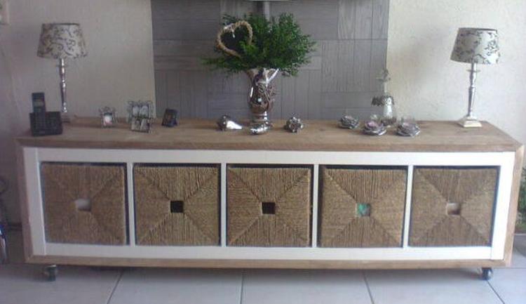 een ikea kast bekleden met steigerhout zwenkwielen eronder ikea